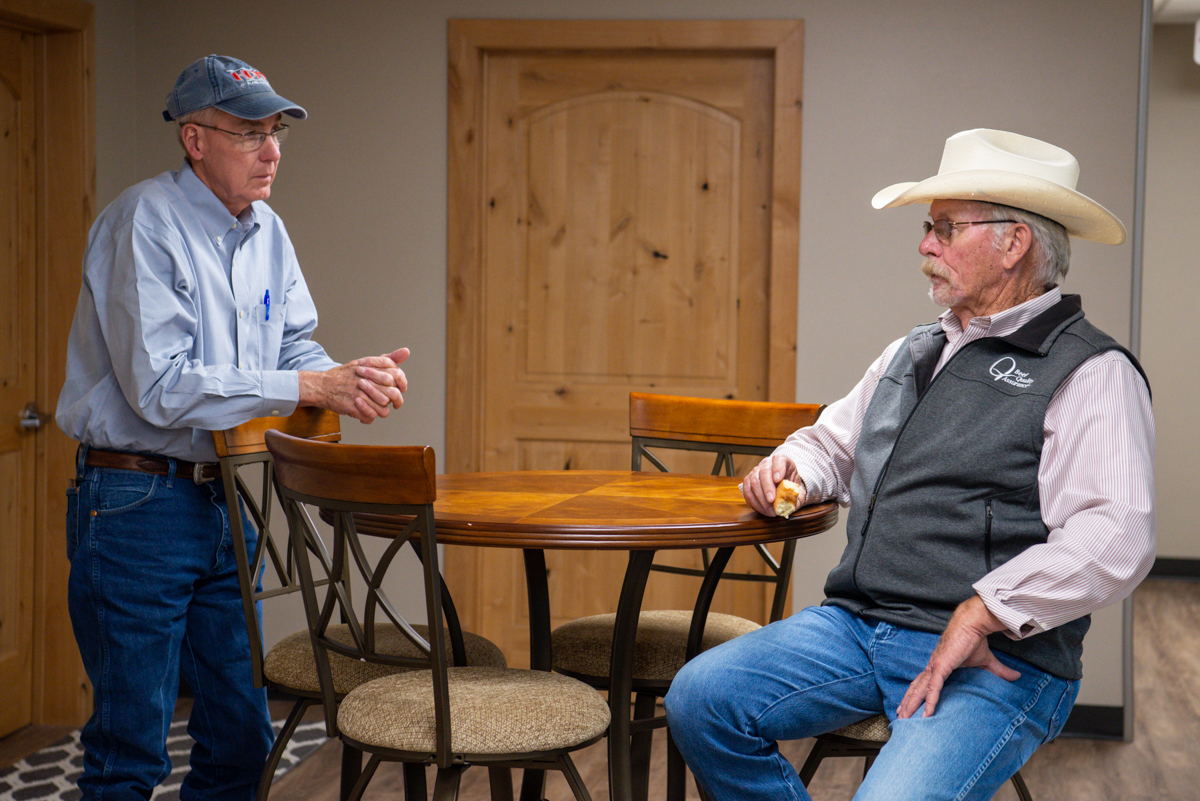 Bob Smith talks with Tom Jones of Hy-Plains Feedyard